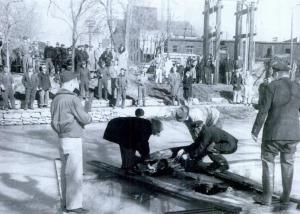 Police removing the body of Edward Rosenstiel.